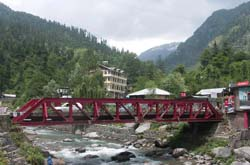 Good Riverside Hotels at Manali