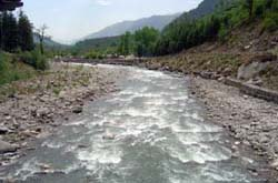 Riverside Hotels in Manali