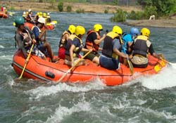 Adventure of River Rafting in Manali